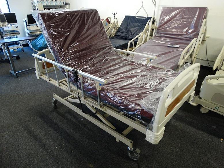 Hospital medical bed model 3022